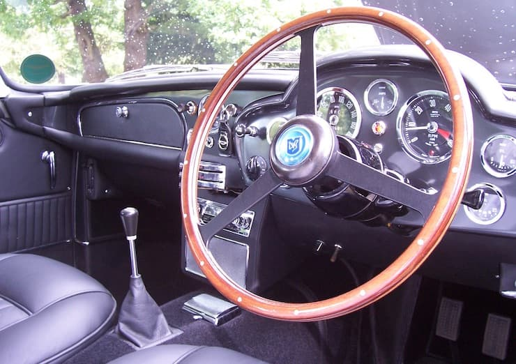 db5 restoration interior